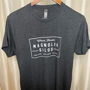 MAGNOLIA Silos mural tshirt